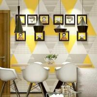 wallpaper stiker dinding segitiga kuning triangle 45cm x 10m