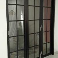 pintu lipat aluminium ornamen