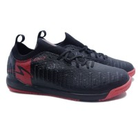 Sepatu Futsal Specs Swervo Thunderbolt 19 IN (Black/Granite)⠀⠀⠀