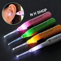 pembersih telinga/ Newest Flashlight Earpick /alat korek kuping