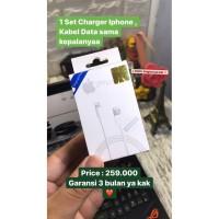 Premium Quality 1 Set Charger Iphone Kepala dan Lightning cable !