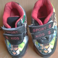 PRELOVED sepatu kets velcro shoes sneakers anak hitam merah