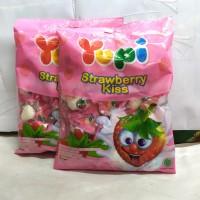 permen yupi love /strowberry kis 1pack