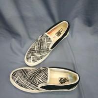 Sepatu Vans Slip On Off Spring Marshmallow Black Premium BNIB