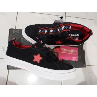 Sepatu Casual Converse Cons One Star Hello Kitty Black Original
