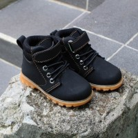 Sepatu boot anak cowok model doctmart