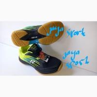Sepatu Badminton yonex 888 original