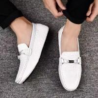 Sepatu Loafers Flat Bahan Kulit Lembut Kualitas Tinggi untuk Pria