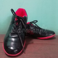 Sepatu Futsal Anak Kelme Star 9Jr Black Orange size 36