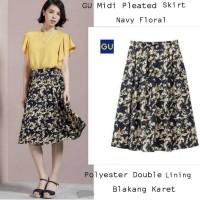 GU Midi Pleated Skirt - Navy floral