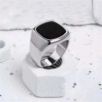 Cincin Pria Black Batu Onyx Titanium Silver