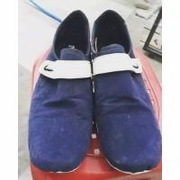 Sepatu Kets Slip On Pria Preloved