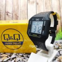 Q&Q QnQ QQ Digital Jam Tangan Strap Karet Hitam M158J005Y Original