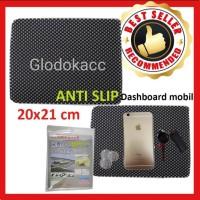 Karpet Anti Slip / Kenmaster Dash Math Taplak Dashboard Mobil