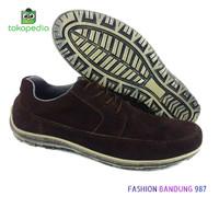 Sepatu kasual pria keren simple dan nyaman dipakai
