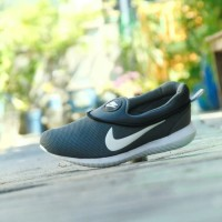 Sepatu Nike Airmax Slip On - Abu Putih - Santai Casual Pria Wanita