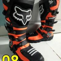 sepatu cross lokal warna orens hitam F0