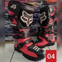 sepatu cross lokal warna merah hitam F0