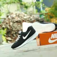 Sepatu Sport Casual Olahraga Pria Nike Running - Hitam Putih - TJ