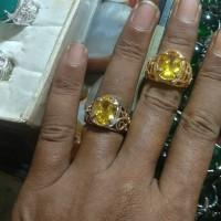 batu cincin kuning topas cutting / yelow topaz cutting