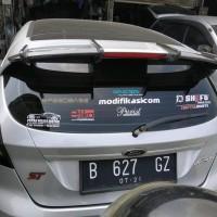 Aksesoris Spoiler Wing Extension Ford Fiesta.