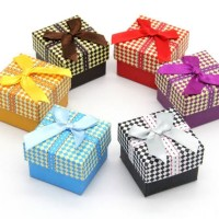 Gift Box Kotak Kado Cincin Perhiasan Accesories Kardus (uk.5x5x3cm)