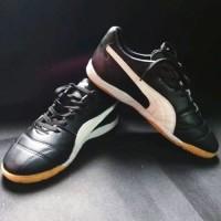 Sepatu futsal puma bahan kulit asli