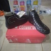 Sepatu converse bukan vans nike adidas puma new balance
