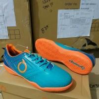 Sepatu futsal ortuseight genesis