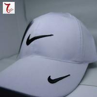 Topi Baseball Nike SF7