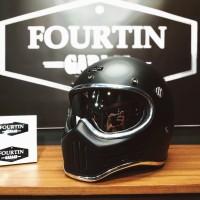 Helm Custom Simpson M30 with Inner chrome visor