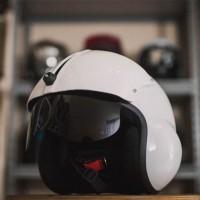 Helm Pilot Visor Kaca - Putih