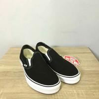 Vans Classic Slipon Black White Global Market 100% Original Guarantee