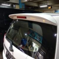 spoiler belakang mobil Ertiga