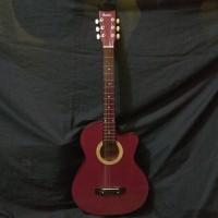 Gitar akustik yamaha pemula maroon