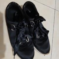 Sneakers Stradivarius Preloved