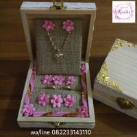 kotak box cincin dan kalung emas-gold -perak-silver-titanium-paladium