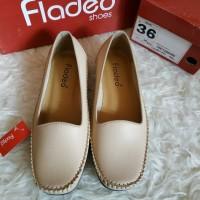 Sepatu Flatshoes CREAM merk FLADEO