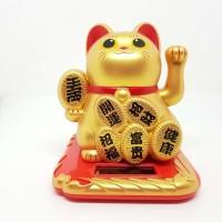 Patung Kucing Uang Lucky Cat Maneki Neko 10 Cm Solar Emas Dof Merah