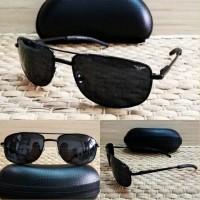 kacamata hitam pria