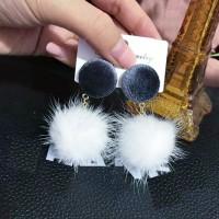 Anting Korea Fabric PomPom Earrings J4U636