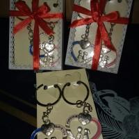 souvenir suvenir gantungan kunci key chain couple pasangan