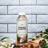 Konut Minyak Klentik (Traditional Coconut Oil) - 500 ml
