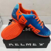 Sepatu futsal kelme star