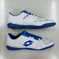 Sepatu Sepak Bola Futsal Putsal Lotto Squadra In White Blue Original