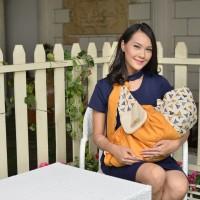 MOM'S BABY Gendongan Samping Bayi Plus Apron Othello Series