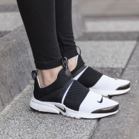 Sepatu Nike terbaru original