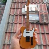 miniatur mainan gitar listrik