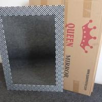 "Cermin Dinding Queen Mirror ""Bulat Kotak Hitam Putih"" 70x50 3mm"