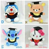 Boneka wisuda (Hello kitty, Doraemon, Stitch, Rillakuma)